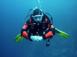 plongeur sous marine